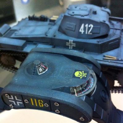 Часы-танки - SP-1 Landship от Azimuth