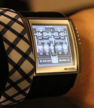 Виртуальные часы Slyde