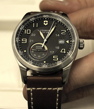 часы Victorinox Airboss Power Gauge
