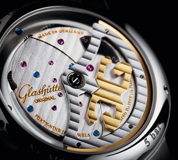 задняя сторона часов Glashutte Original PanoMaticInverse Automatic