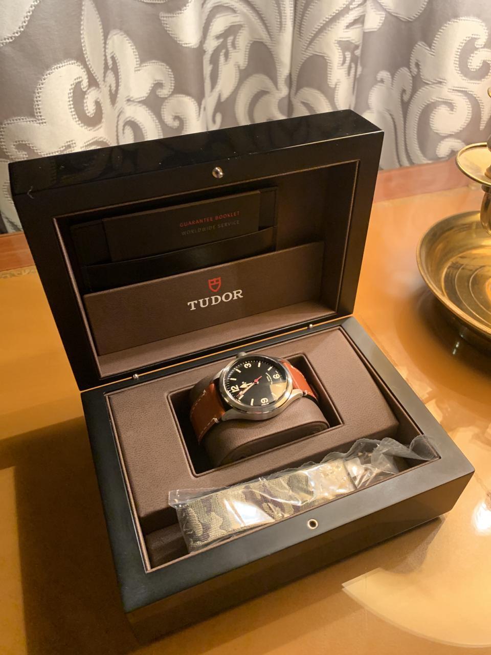 часы Tudor Heritage Ranger