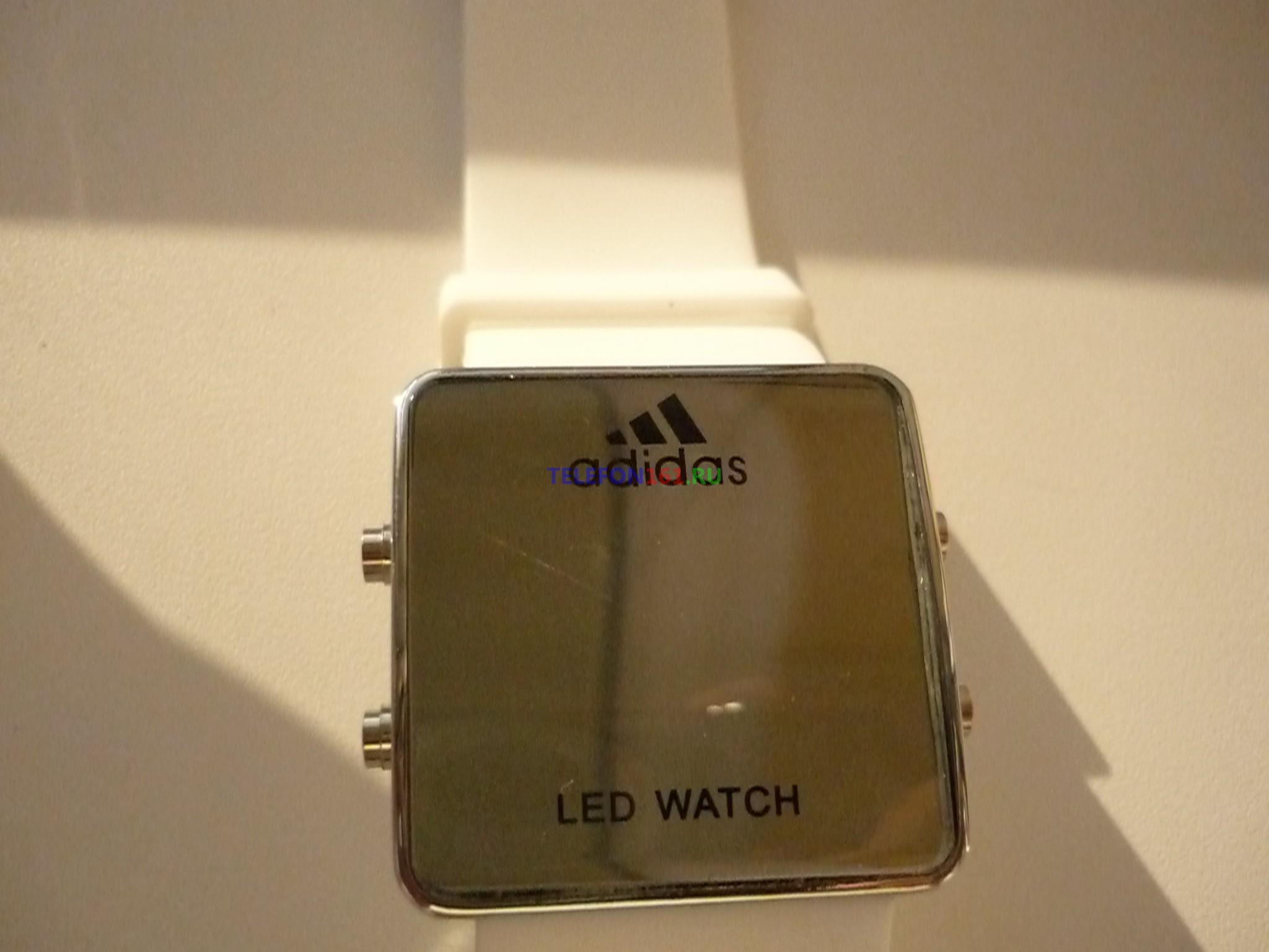 часы Adidas LED Часы светодиодные с подсветкой (белый+металлик)