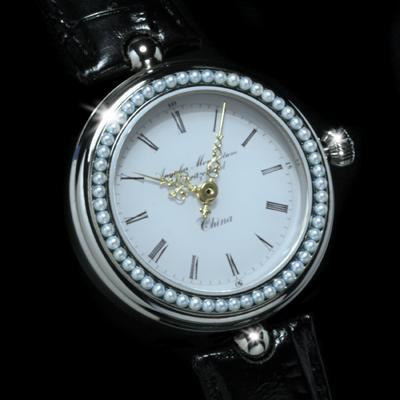 часы Angular Momentum La Montre Chinoise