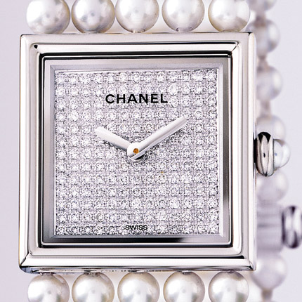 часы Chanel Or blanc 18 carats